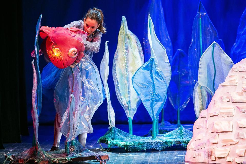 Priča s morskog dna, predstava